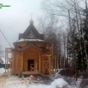 chasovnya_iz_brevna_proekt_3_(1_yij_etap,_vozvedenie_sruba_pod_kryishu)_foto_1